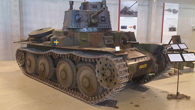 640px-Stridsvagn_M_41.jpg