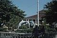 Swordfish fountain, Nassau town (24998692348).jpg