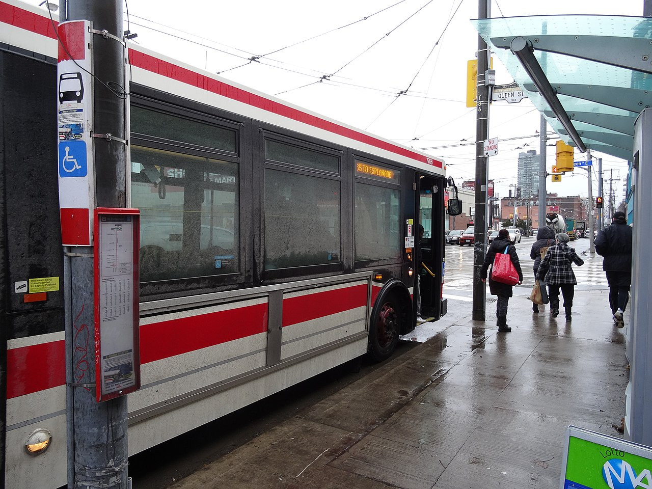 file ttc bus 7766 at parliament and queen 2014 12 17 a 16045901621 jpg wikimedia commons. Black Bedroom Furniture Sets. Home Design Ideas