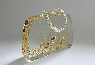 Ted Noten - Ageeth's Dowry bridal handbag (1999). Photography: Atelier Ted Noten.