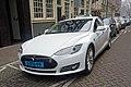 Tesla Model S Schiphol taxi AMS 12 2016 0589.jpg