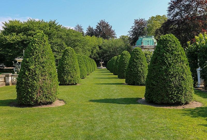 File:The Elms garden.jpg