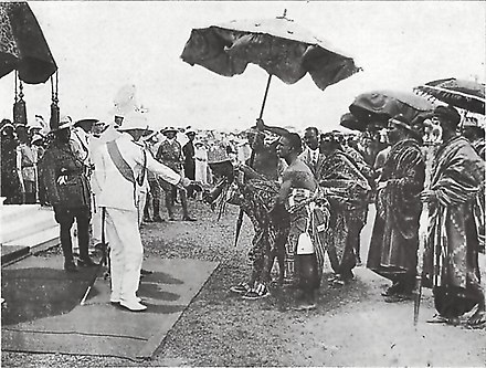 Visit of His Royal Highness The Prince of Wales to the Gold Coast Colony in 1925, meeting His Royal Highness, Nana Kwasi Akuffo I, Akuapemhene The National Archives UK - CO 1069-37-136-1-001.jpg