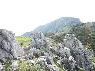 Monte Scuderi - Looking towards Monte Scuderi