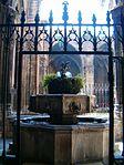 The garden of Santa Església Catedral Basílica de Barcelona - 1 - panoramio.jpg