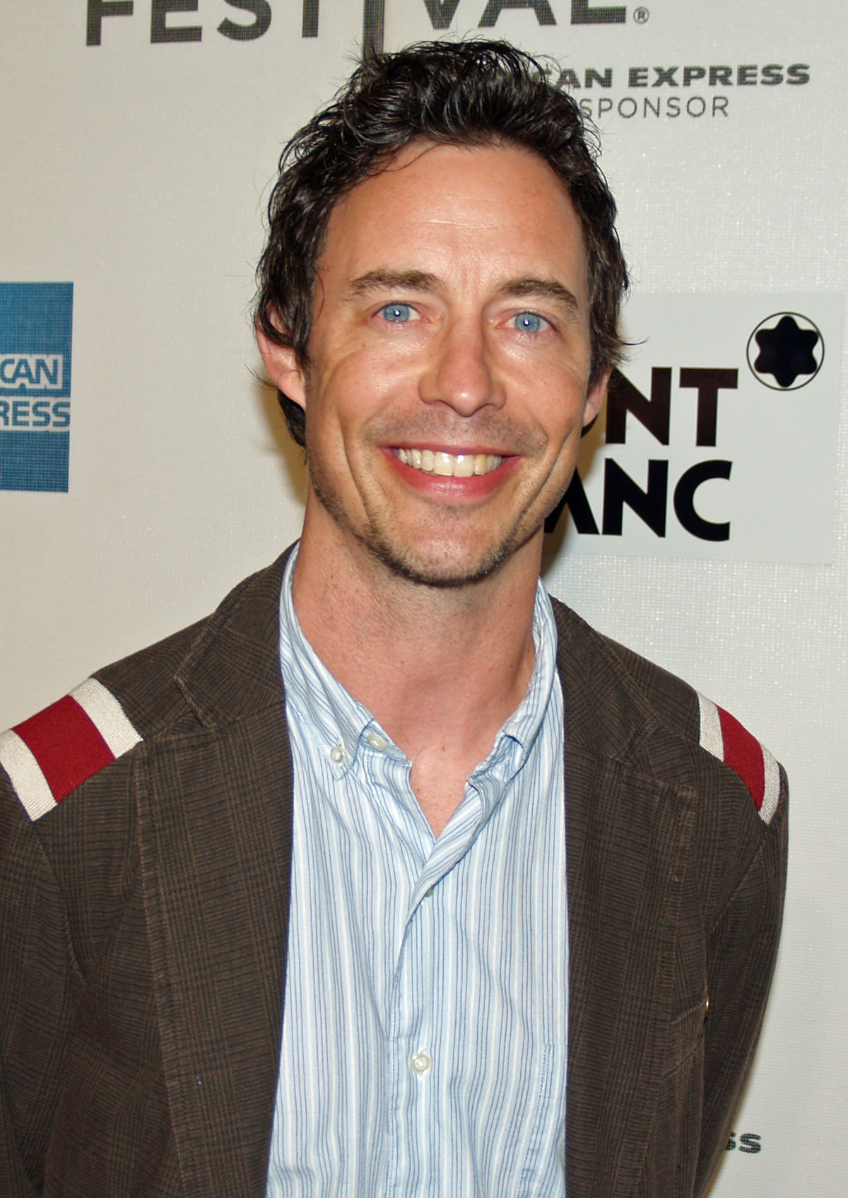 Tom Cavanagh - Wikipedia