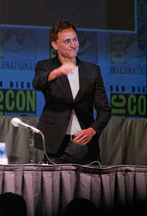 English: Tom Hiddleston at the 2010 San Diego ...