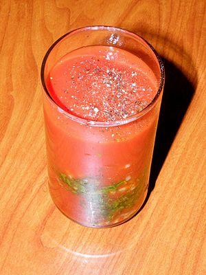 עברית: משקה עגבניות