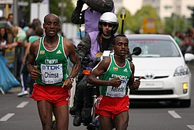 Tsegay Kebede and Deressa Chimsa (both ETH) (3855359433).jpg