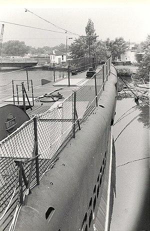 USS Ling - Image: USS Ling 1975