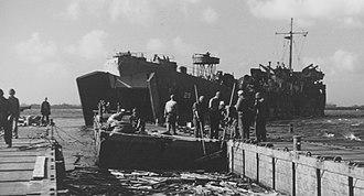 USS LST-29 - Image: USS LST 29 Kwajalein February 1944