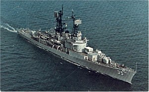USS Mitscher (DDG-35) underway at sea in the 1970s.jpg