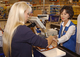 File Us Navy 030620 N 7391w 007 Cashier Sue Amine Assists