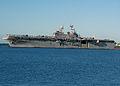 US Navy 071109-N-9758L-140 Amphibious assault ship USS Bonhomme Richard (LHD 6) makes her way pierside to Naval Station Pearl Harbor.jpg