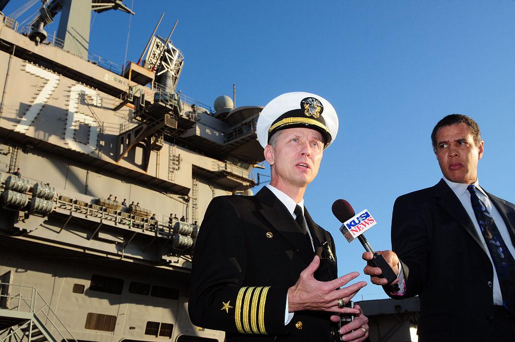 File:US Navy 120106-N-NB544-033 Capt. Thom Burke, commanding ...