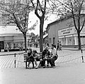 Ulica Tomása Garrigue Masaryka, szemben az ulica Jána Amosa Komenského torkolata. Fortepan 54001.jpg