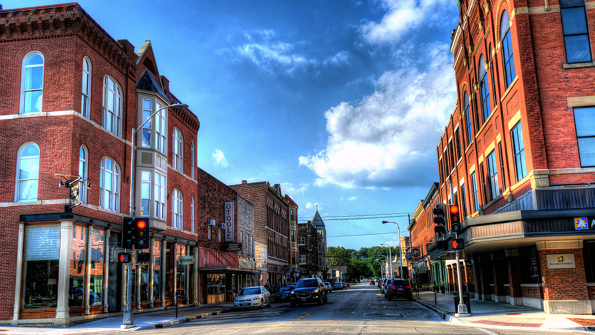 upper main street historic district dubuque iowa
