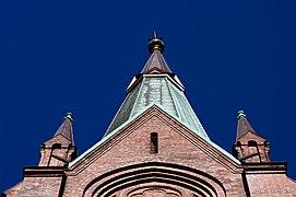 Uranienborg kirke 2011 front top.jpg