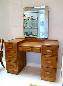 A Dressing Table Designed By The Utility Design Panel C. 1943. Made By Heal  U0026 Son, 1947. Oak.