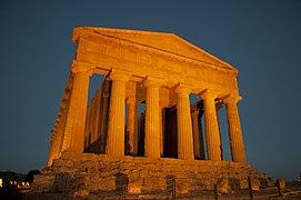 Risultati immagini per sibilla magna grecia