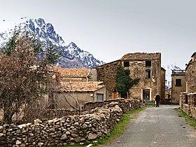 Le village et le Monte Padro