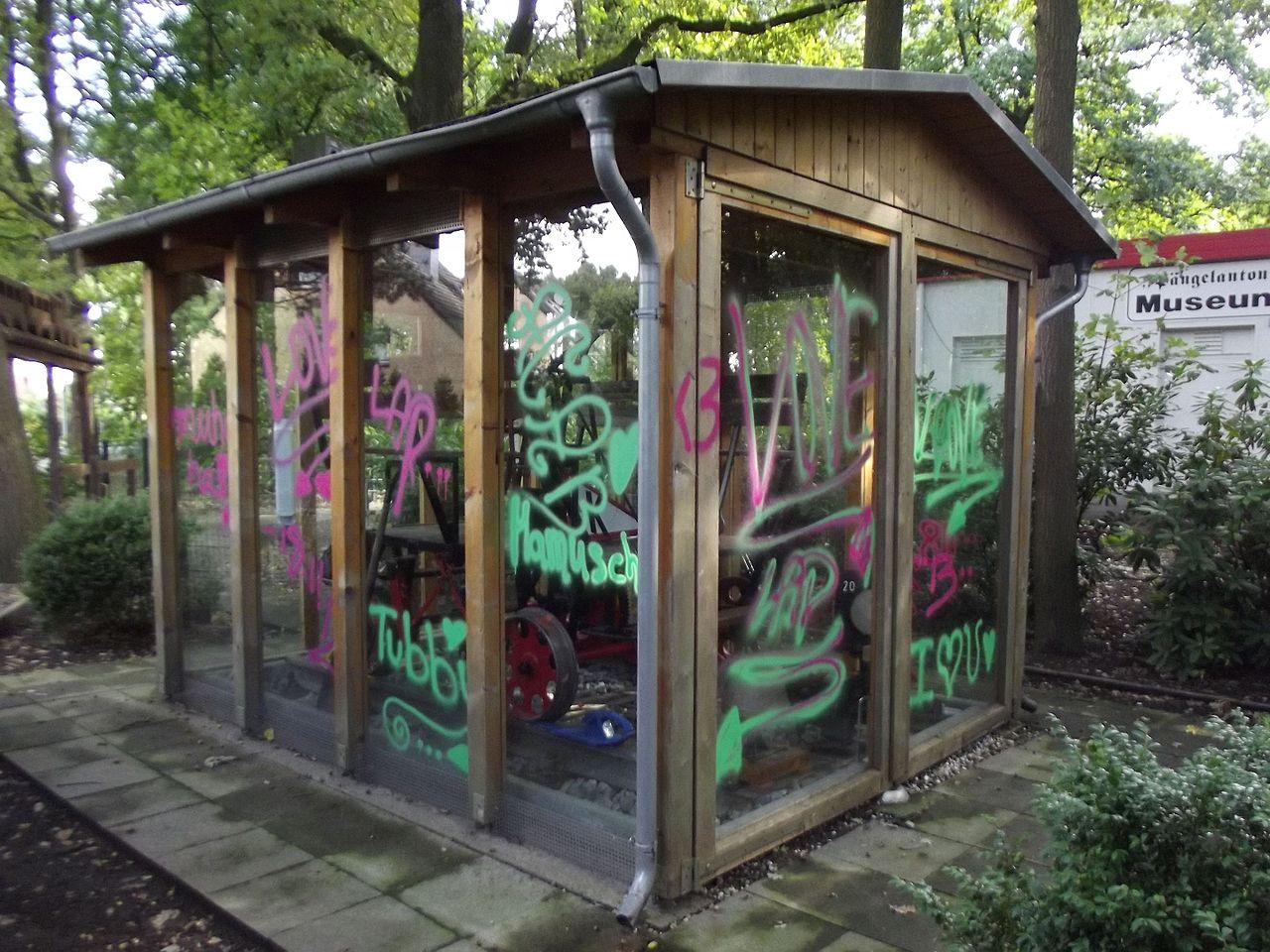 C mo limpiar un grafiti del cristal comunidad leroy merlin - Como limpiar grafitis ...