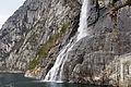 Vattenfall i Lysefjorden utanfor Stavanger i Norge (1).jpg