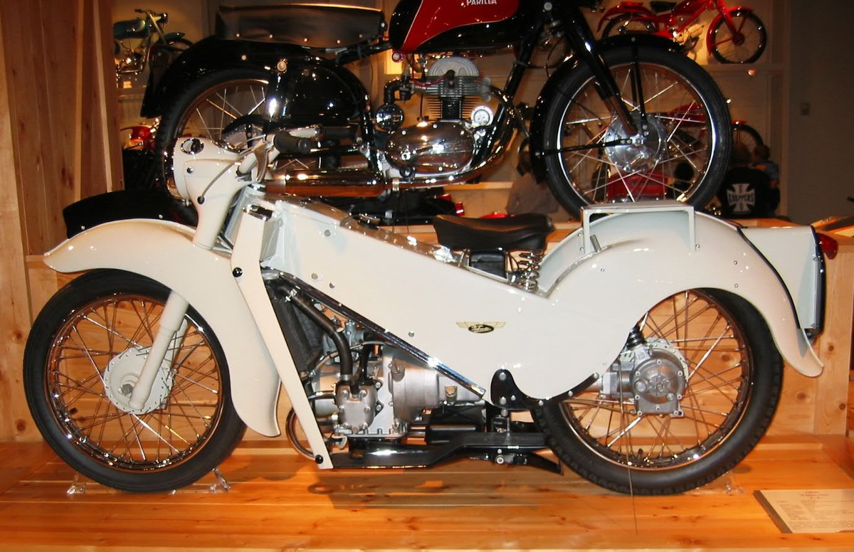 Px Velocette Le on Horizontally Opposed 4 Cylinder Engine