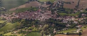 Verfeil, Haute-Garonne - Image: Verfeil (Haute Garonne) aerial east exposure