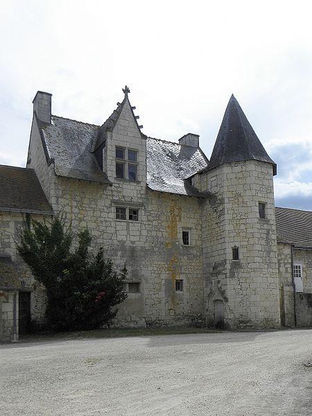 Prieuré de Vernoil-le-Fourrier (49).