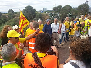 Lluís Llach - Llach (centre, with hat) taking part in the 2013 Catalan Way protest