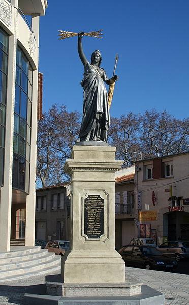 Villeneuve-lès-Béziers (Hérault) - Statue de Marianne.