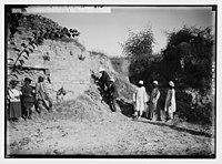 Visiting the ruins of Ascalon. Sir Herbert Samuel opening the excavations. LOC matpc.02300.jpg