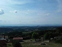 Vue depuis le belvédere Les Deux Frères, Echandelys - Puy de Dôme, France.jpg