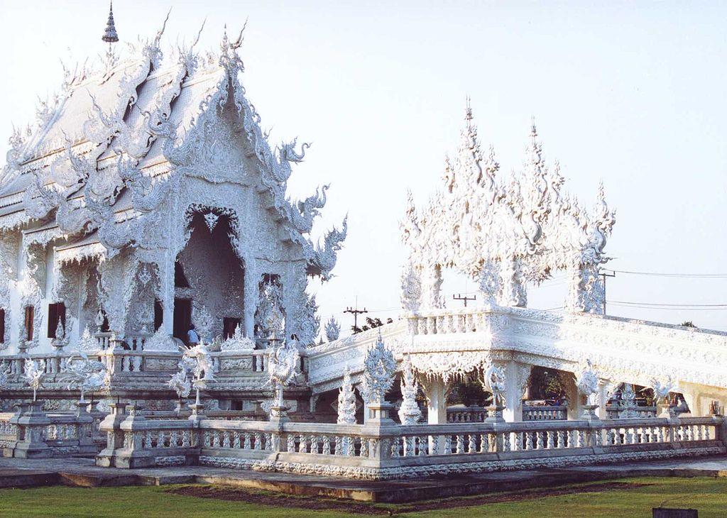 File:Wat Rong Khun 2006.jpg - Wikipedia