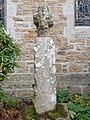 Wayside cross in St Peter's Churchyard, Newlyn.jpg