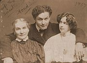 """My Two Sweethearts"". Houdini with his wife and mother, ca. 1907."