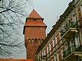 Widok z ulicy Zamkowej na wieżę ciśnień - panoramio.jpg