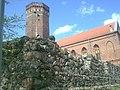 Wieża Zamkowa na przedzamczu największego (pod względem powierzchni) zamku krzyżackiego w Polsce - panoramio.jpg
