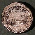 Zecca itinerante, denario in argento di marco antonio, con nave e scettro, 32-31 ac. - Copia.jpg
