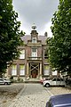 Zicht op de voorzijde van de villa met entree - Rotterdam - 20409731 - RCE.jpg