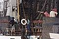 """""""Elizabeth, boot van het jaar"""" uit Alkmaar passeert geopende Rotorenbrug Tussen ongeveer de jaren 19 - RAA-DMGA-00855 - RAA Elsinga.jpg"""