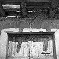 """""""Kalonja"""" (vhod v štalo- hlev), Pregarje, pri Frankovih 1955 (2).jpg"""