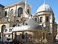 Église Saint-Sulpice - Chevet, chapelle dite des Allemands et chapelle de la Vierge avec la niche en encorbellement.JPG