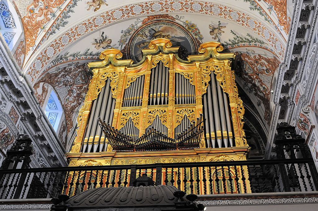 Orgue de l'église de l'Hospice des Vénérables à Séville. Photo de Son of groucho.