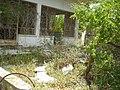 """Ο καφενές του Πίτσιλλου και το κουρείο """"Το πέτρινο λουλούδι"""" - panoramio.jpg"""