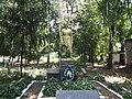 Братська могила радянських воїнів парк цукрозаводу.jpg