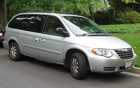 Chrysler Town & Country 4