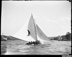 18-footer racing on Sydney Harbour possibly near Clark Island, 1920-1939 (11806077953).jpg