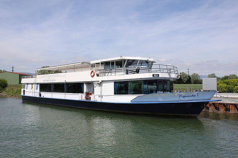 File:18 MS Romandie I Canal de la Broye 250517.jpg